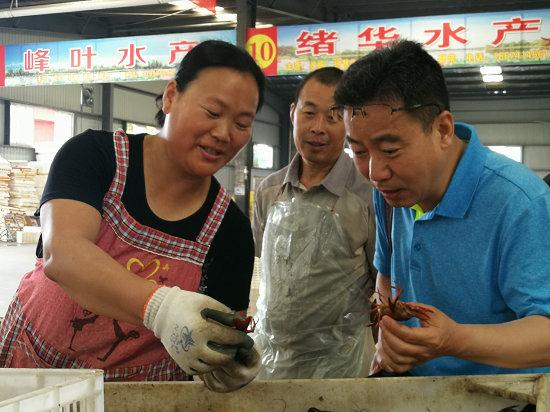 全国农民报总编辑看荆楚三农亮点:虾稻产业火了这座城